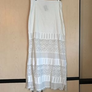 Billabong white fitted lace skirt